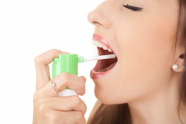 Можно ли при беременности использовать люголь, каковы показания и противопоказания, как правильно мазать горло?