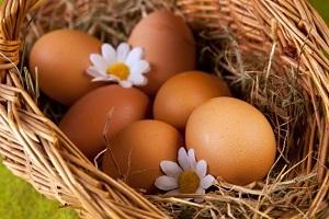 Можно ли кормящей маме кушать сливочное масло: особенности введения продукта при грудном вскармливании