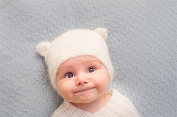 Как правильно развивать ребенка в 6 месяцев и чем его занять: полезные игры и развивающие занятия