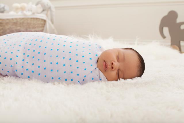 Сколько пеленок нужно покупать новорожденному: оптимальное количество, стандартные размеры и способы сшить своими руками