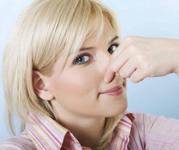 Почему у грудничка или ребенка старше года моча имеет неприятный резкий запах?