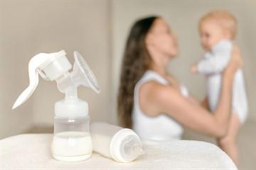 Сколько смеси или молока должен есть ребенок в 3 месяца: размеры порций при искусственном и грудном вскармливании