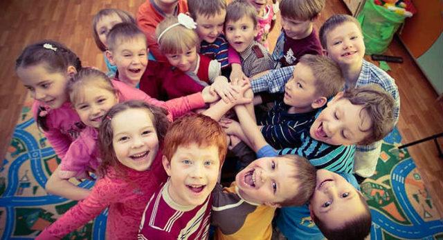 Нужно ли отдавать ребенка в детский садик: все